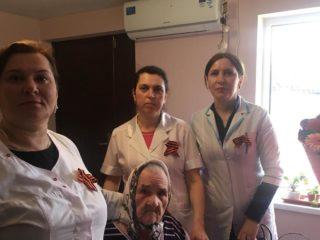 Сегодня главный врач ЦГБ Дербента Абдулкафар Шихмагомедов и зам. главврача по амбулаторной работе Гюлида Наматуллаева посетили дои - интернат для престарелых и инвалидов