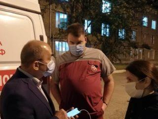 К нам в ЦГБ, только что, прибыли, находящиеся с рабочим визитом в республике: Оксана Гусева, помощник министра здравоохранения РФ Михаил Ламзин