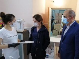 В республике с рабочим визитом находится группа специалистов минздрава России.